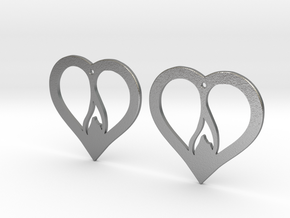 The Flame Hearts (precious metal earrings) in Natural Silver
