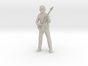 Guitar player with glasses in Natural Sandstone