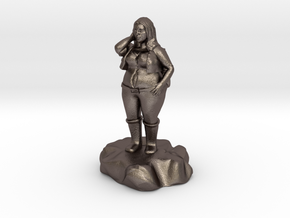 Lirillen, the jolly halfling bard in Polished Bronzed Silver Steel