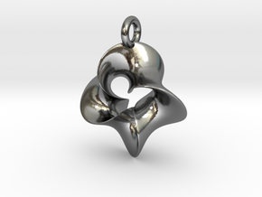 4-Twisted Möbius pendant in Polished Silver