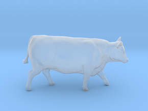 1/64 Yearling Heifer 02 in Smooth Fine Detail Plastic