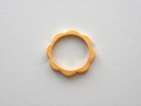 Flower Power Ring ML 18mm in Polished Brass
