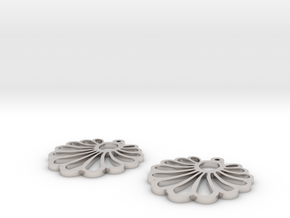 shell earrings in Platinum
