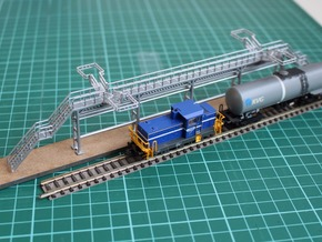 N Scale Tank Car loading Platform 2x2 Type 2 in Frosted Ultra Detail