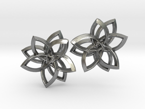 Pointset Earrings in Natural Silver