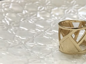 Banana Leaf Ring size 6 (M) in Polished Brass