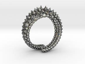 Reptile Ring in Fine Detail Polished Silver