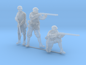 1/56th (28 mm) scale 3 x Hungarian soldiers in Smooth Fine Detail Plastic