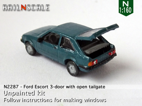 Ford Escort 3-door with open tailgate (N 1:160) in Smoothest Fine Detail Plastic