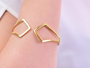 HIDDEN HEART Bracelet. Pure Elegance  in 18k Gold Plated Brass: Extra Small