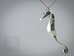 Elegant SeaHorse in Polished Silver