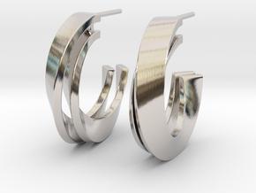 Möbius earring in Platinum