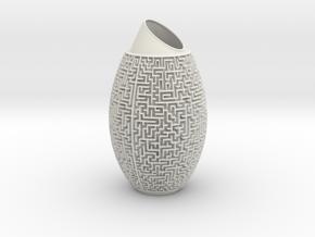 Maze Vase in White Natural Versatile Plastic