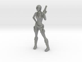 O Scale Lara with a gun in Gray Professional Plastic