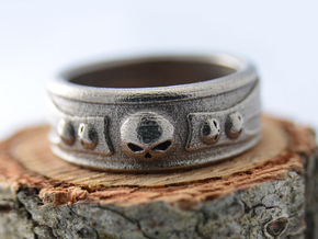 Skull Ring in Polished Nickel Steel