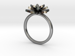 Royal flower ring size : M (7) in Polished Silver: Medium