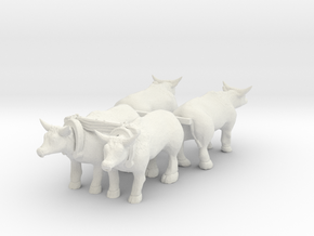 HO Scale Oxen Set in White Natural Versatile Plastic
