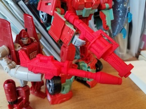 5mm Earth Wars Gunner Weapons in Red Processed Versatile Plastic