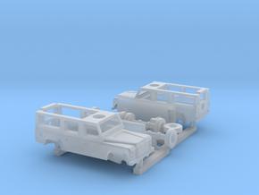 1:200 Land Rover Defender Station 110   2 Stück/2  in Smoothest Fine Detail Plastic