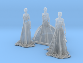 HO Scale Long Dress Females in Smooth Fine Detail Plastic