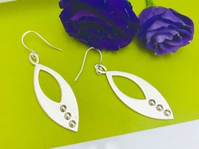 Mandorla Warrior Earrings in Natural Silver