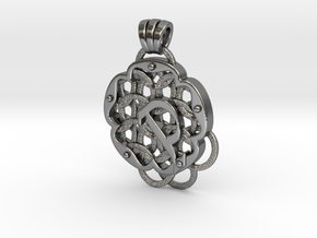 Chain Mail Pendant P in Polished Silver