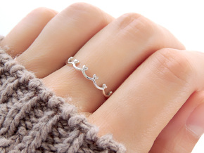 Scalloped Heart Ring (Multiple Sizes) in Polished Silver: 6 / 51.5
