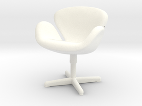 Arne Jabobson - Swan Chair in White Processed Versatile Plastic