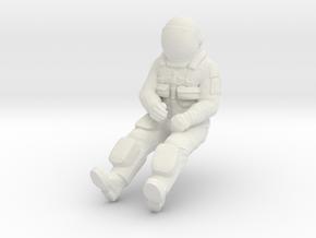NASA Space Shuttle Pilot in White Natural Versatile Plastic: 1:48 - O