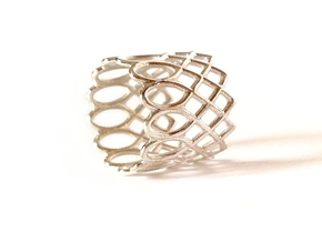 LACE ring in Polished Silver: 8 / 56.75