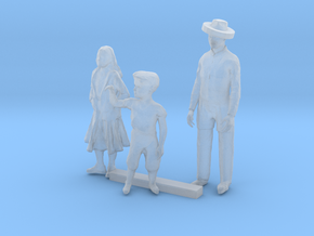 HO Scale Family in Smooth Fine Detail Plastic
