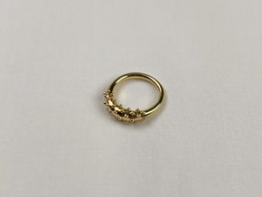 Dotted Circle Ring in 18k Gold: 4 / 46.5