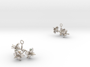 Amaryllis earring with three small flowers in Rhodium Plated Brass