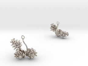 Peach invisus earring with three small flowers in Rhodium Plated Brass