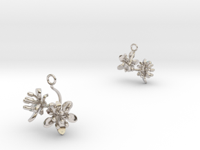 Raspberry earring with two small flowers in Rhodium Plated Brass