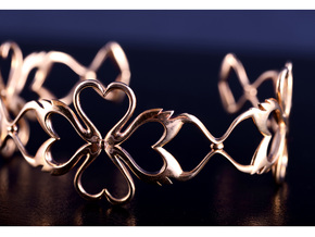 Swan-Heart Bracelet in Polished Bronze