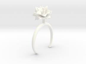 Potato bracelet with two large flowers L in White Processed Versatile Plastic: Medium