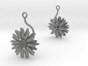 Daisy earring with one large flower in Gray PA12