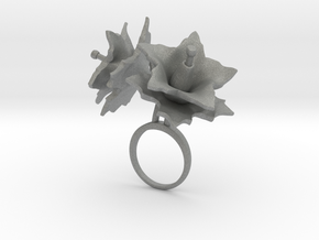 Potato ring with two large flowers in Gray PA12: 7.25 / 54.625