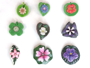 Blooms On Leaves Pendants: Batch 01 in Glossy Full Color Sandstone