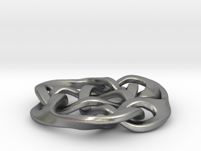 celtic knot 30mm in Natural Silver