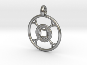 Leda pendant in Natural Silver
