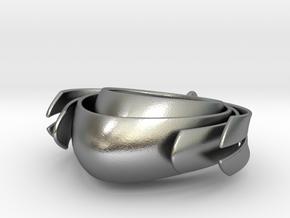 Matriliny pendant in Natural Silver