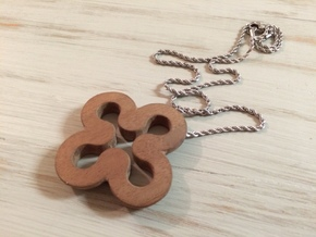 Clover necklace hollow in Natural Sandstone