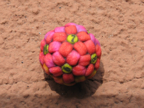 Flower D12 (Small) in Full Color Sandstone