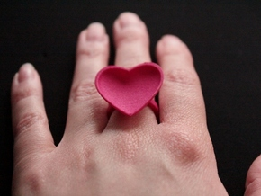 Curved Heart Ring 17,3mm in Pink Strong & Flexible Polished: 7 / 54