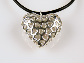 Small hearts, Big love (Pendant) in Polished Silver