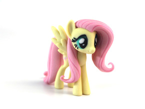 My Little Pony - Fluttershy (≈75mm tall) in Full Color Sandstone