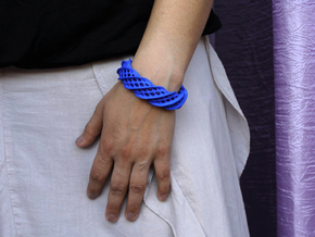 Twist Cuff (Size M)  in Blue Strong & Flexible Polished