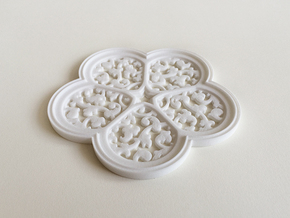 Cinquefoil Coaster in White Natural Versatile Plastic
